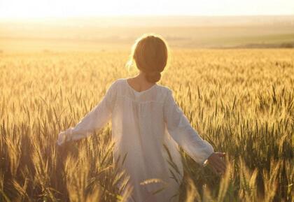 不管前方的路有多苦,只要走的方向正确