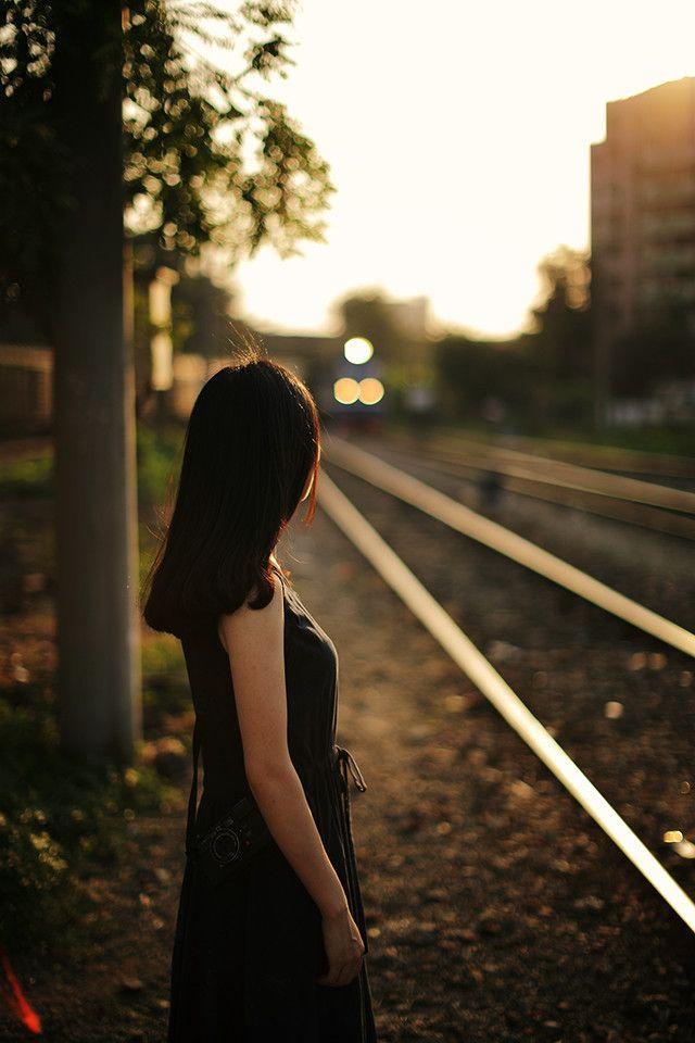 女生伤感说说真正爱过的人,是不可能做朋友的